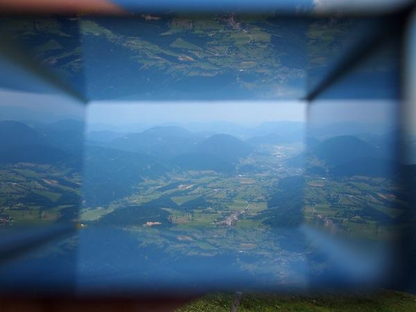 """... das """"Paradies der Blicke"""" zu erkunden: Den Wiener Alpen Viewer gibt es direkt bei der Destination Wiener Alpen zu bestellen."""