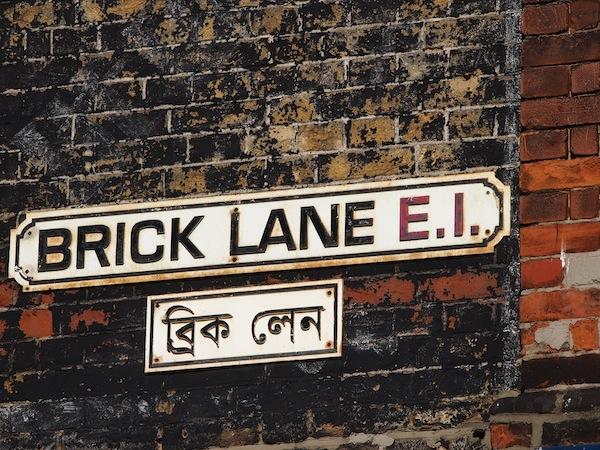 """In Brick Lane kurz mal """"Indien"""" besuchen und das schärfste Lokal der Stadt entdecken !"""
