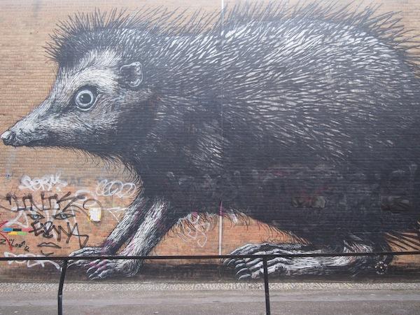 Der Detail- und Facettenreichtum dieser Igel-Streetart-Graffiti Londons beeindrucken mich ebenfalls sehr.