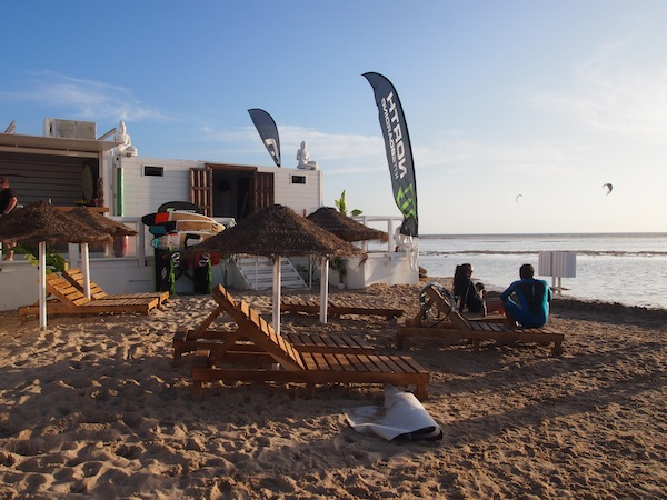 "What a wonderful, relaxed atmosphere: In the evening, we recommend you head out to one of Tarifa's ""Chiringuito"" beach huts in order to enjoy the sunset …"