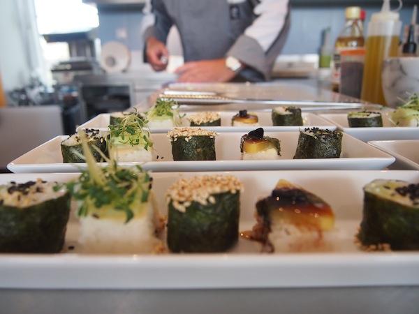 Das An-Alapanka-Ma bietet genussvolle & kreative Gerichte auf höchstem Niveau ... Als rein vegetarisches Restaurant bekommen wir hier beispielsweise köstliche Maki serviert.