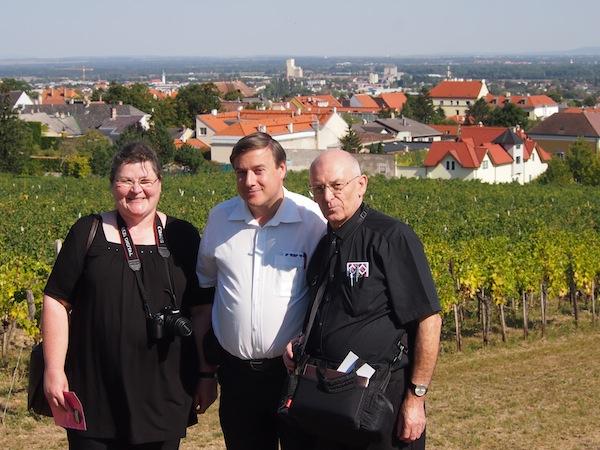 Schön ist es, wieder mit meinen kulturell-kulinarisch-affinen Reiseblogger-Freunden Andreas, Monika & Petar Fuchs unterwegs zu sein: Ein Herz & eine Seele, was die Feier des GENUSS angeht!