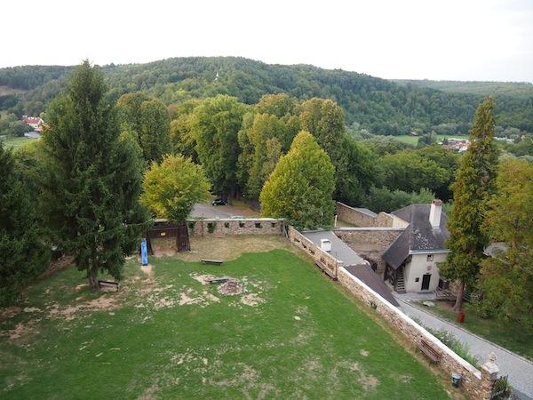Blick von der Ritterburg Lockenhaus südlich der Stadt Oberpullendorf: Die erste Station unserer Reise führt uns zurück zur schaurig-schönen Geschichte dieser vormaligen Templer & Ritterburg.