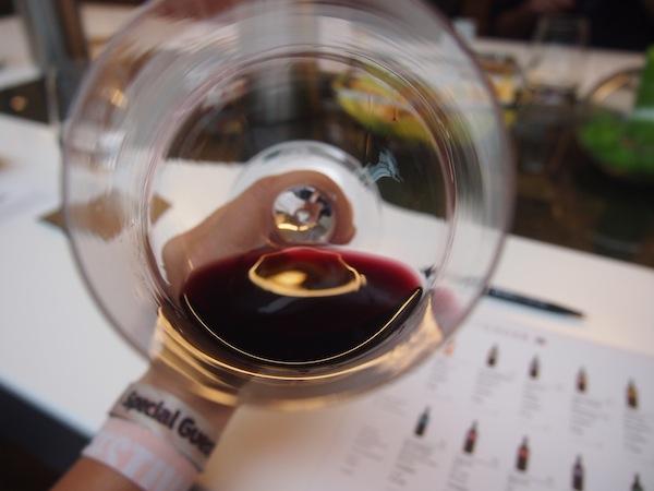 """... die dann so aussieht: """"Zu tief ins Glas g'schaut!?"""" beim Top-Weingut Gager im berühmten Rotweinort Deutschkreutz."""