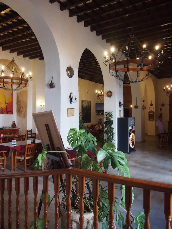 Das schmucke, vormalige Franziskaner-Kloster inmitten der weißen Stadt Vejer ist heute zu einem schönen, stilvollen Hotel-Restaurant umfunktioniert worden.