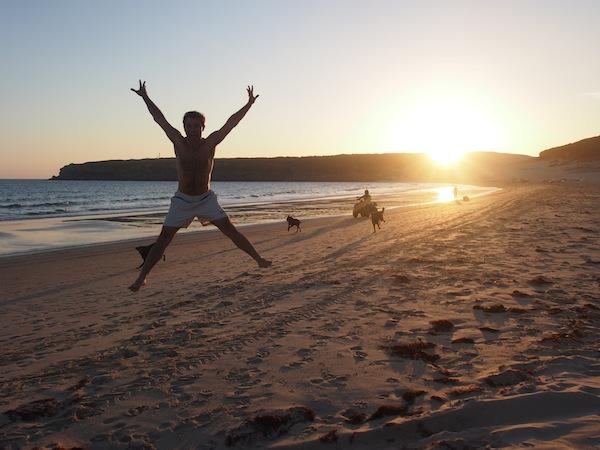Der Sonnenuntergang am nahezu menschenleeren Strand von Bolonia ist einfach zu schön, um wahr zu sein ... Oder was meint Ihr?