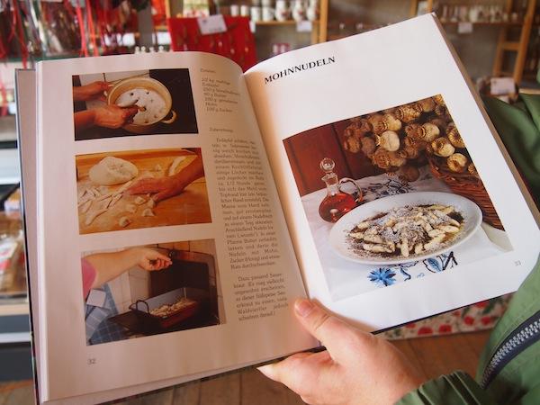 Das Mohndorf Armschlag schließlich zieht uns mitsamt der Präsentation seiner wirklich ausgezeichneten Köstlichkeiten in seinen Bann ...
