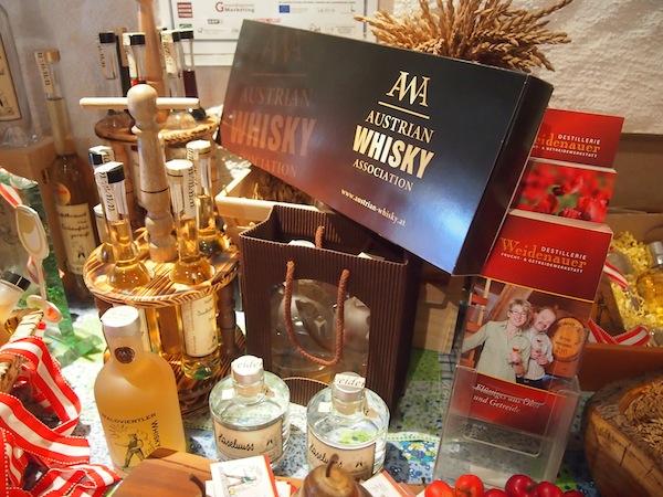 Waldviertler Whisky-Erlebnis: Bei der Familie Waidenauer in charmanter, familiärer Atmosphäre plaudern und Whisky verkosten lernen!
