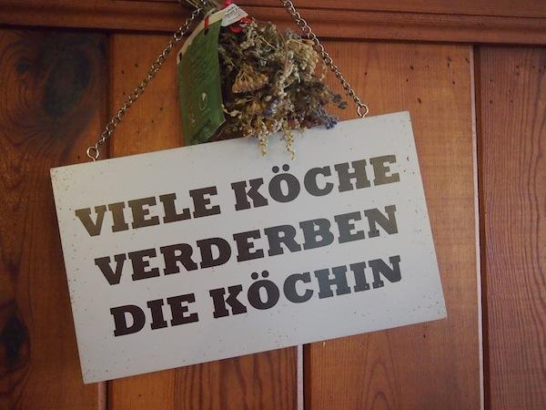 """Doch Vorsicht ist geboten denn: """"Viele Köche verderben den Brei"""" .. Oder? ;)"""