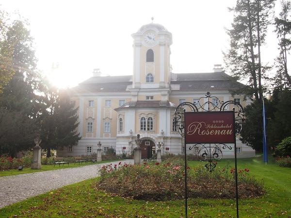 Das Schlosshotel Rosenau ist schon aufgrund seiner historischen Bedeutung eine Reise wert: Im 1. Österreichischen Freimaurer-Museum erfährt man alles über die einstige und heutige Bedeutung der Freidenker.