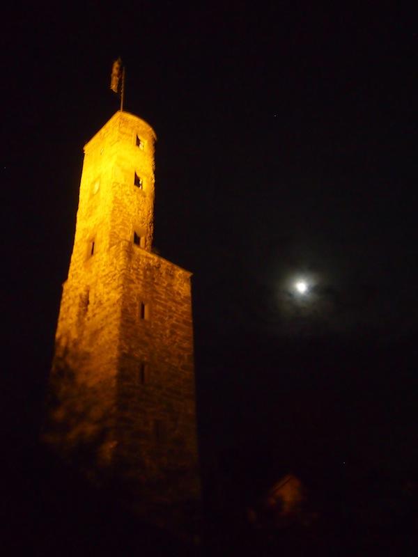 Burg Löwenstein im Mondenschein ... Romantisch verträumt, so ein nächtliches Wein-Erlebnis.!