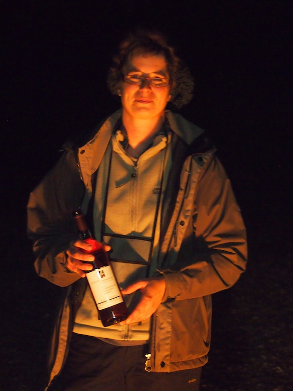Nicole Koppenhöfer wie sie leibt und lebt: Vielen Dank für die zahlreichen guten Weine!