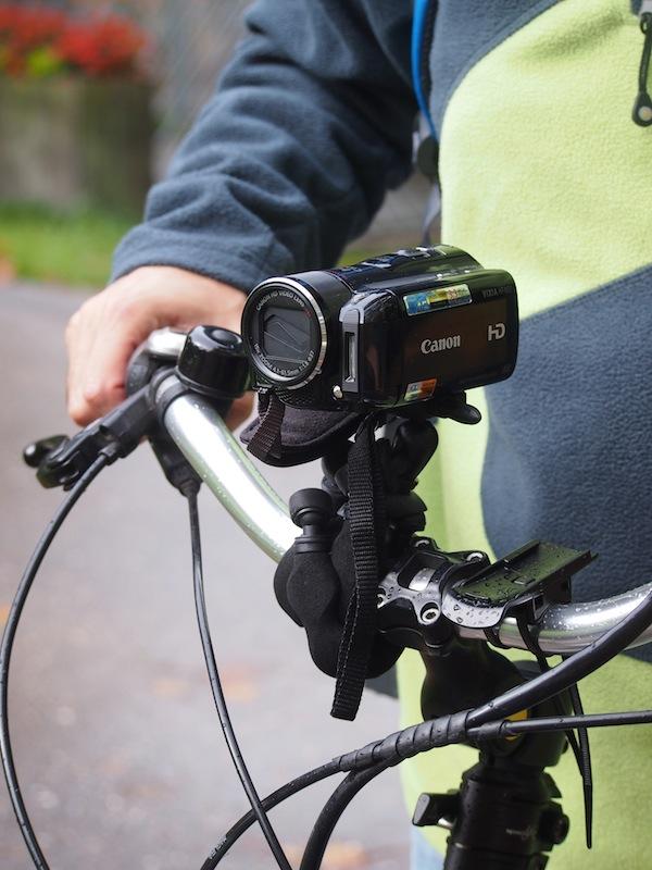 Unterwegs mit E-Bikes: Das richtige Equipment für Foto- bzw. Film-Liebhaber ist schnell montiert.