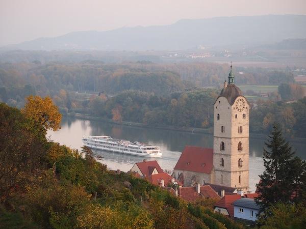 Lieblingsbild Nr. 10: Blick auf die Sanftheit und Anmut des ruhenden Donautals in Krems an der Donau. Schön ist es, hier zu leben!