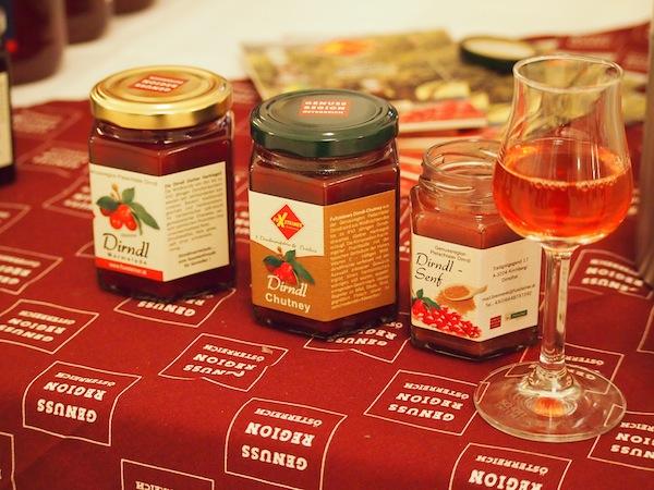 """Erstmalig gab es heuer übrigens auch die Erweiterung des ReiseSalon zum """"GourmetSalon"""" mit der Verkostung typischer, regionaler Produkte aus Österreichs Genussregionen."""