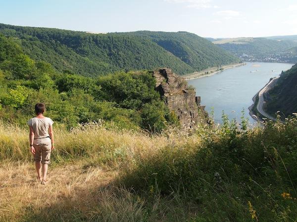 So schön: Das Weitwandern entlang faszinierender Landschaften wie der des Oberen Mittelrheintals in Deutschland.