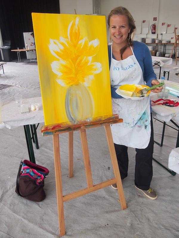 Zwar kein Aktbild, aber doch ganz die stolze Künstlerin: Bei den Kreativwochen in Altenmarkt-Zauchensee habe ich mich heuer so richtig kreativ ausgetobt!