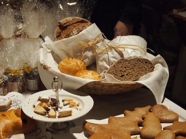 Weiter geht es mit typischen Köstlichkeiten auf dem Weihnachtsmarkt von Stift Göttweig.