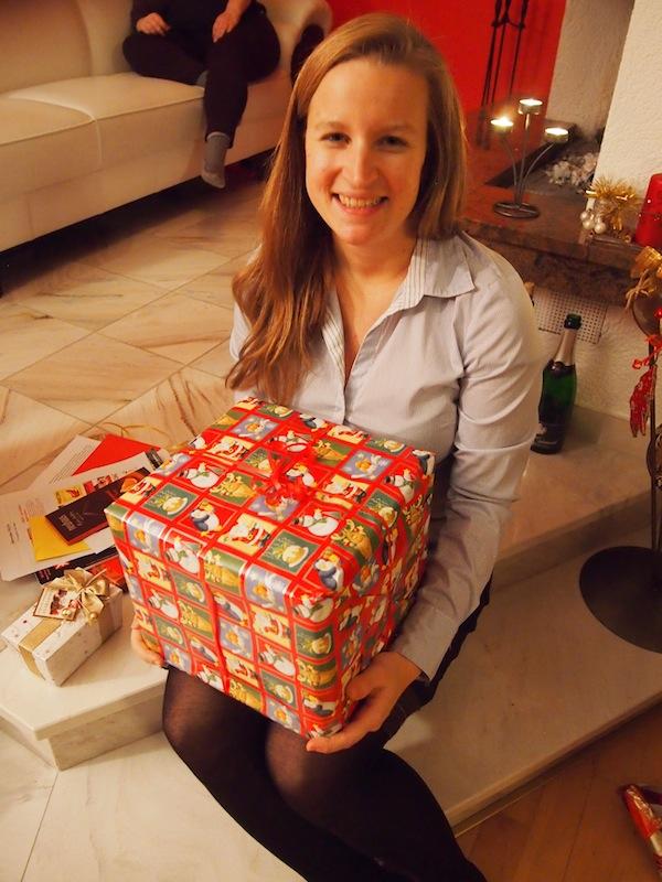 Da kommt Freude auf: Geschenk-Stimmung unter Freunden ist einfach die beste Medizin gegen lange, kalte Winternächte. :D