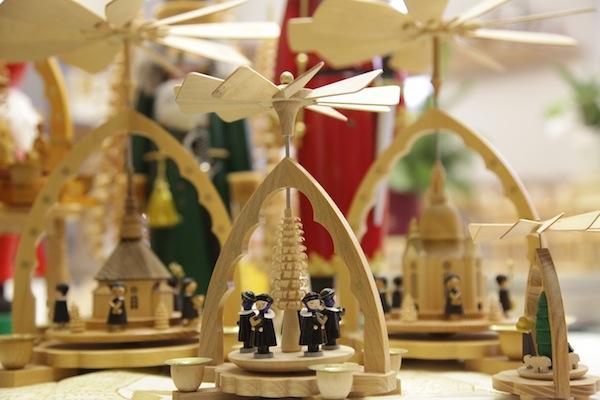 Sind sie nicht wunderschön? Pyramiden aus Seiffen. / Foto: Anna Zell