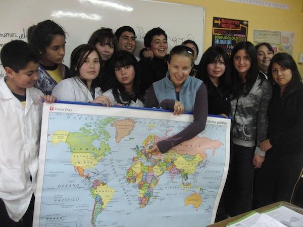 In einer Schule in Chile habe ich mal 14-jährigen Schülern gezeigt, wo mein Heimatland Österreich liegt. Ganz ehrlich: Wir leben schon sehr, sehr gut hier, für Österreich kann ich mich glaube ich wieder und wieder entscheiden - trotz oder gerade wegen der vielen Eigenarten die wir als Kulturland so an uns haben!