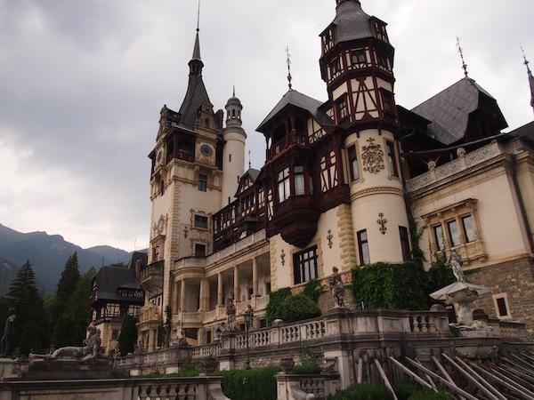 Das sagenhaft schöne Schloss von Peles hätte Dracula sicher auch gut gefallen.