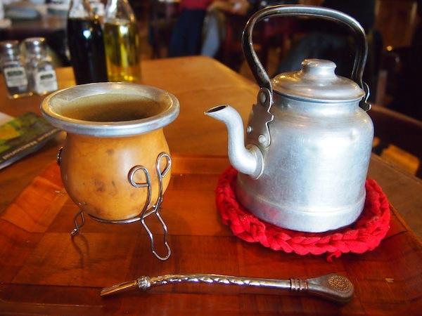 Auch mein Mate-Tee-Ritual hat mich während der gesamten Südamerika-Reisen stets begleitet; der Tee spendet Kraft und lädt ein zum Innehalten.