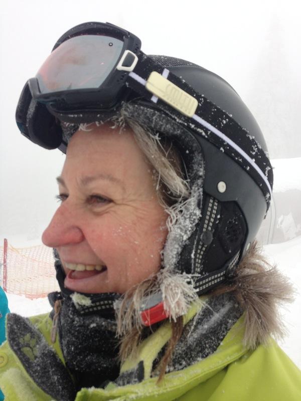 Meine Mama in einem herrlichen Moment … von ihr, Tante, Cousine & viele weiteren habe ich schon mit drei Jahren Schifahren gelernt, seit ich mit 15 zum Snowboarden gewechselt bin … I am loving it! Winterspaß here we go :D