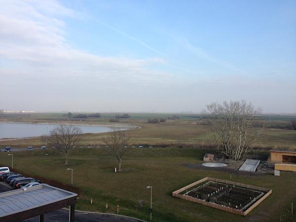 … der Blick von unserem Zimmer schweift über die Weite der pannonischen Tiefebene bis an die ungarische Grenze.