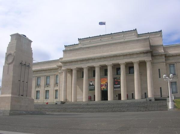 Das Auckland Museum lohnt den Spaziergang: Hier erfahren Erstbesucher wie ich alles Wissenswerte rund um Kultur, Geschichte und Natur des Landes.