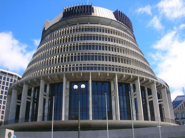 """Das neuseeländische Parlamentsgebäude ähnelt tatsächlich einem """"Bienenstock"""", die Namensgebung also ist gelungen."""