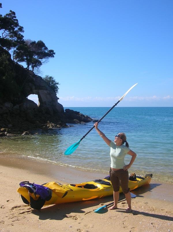 Mein allererster Kayaktrip war einfach wundervoll. Nie werde ich die glasklaren, türkisblauen Buchten vor der Küste des Abel Tasman National Park vergessen … wow.