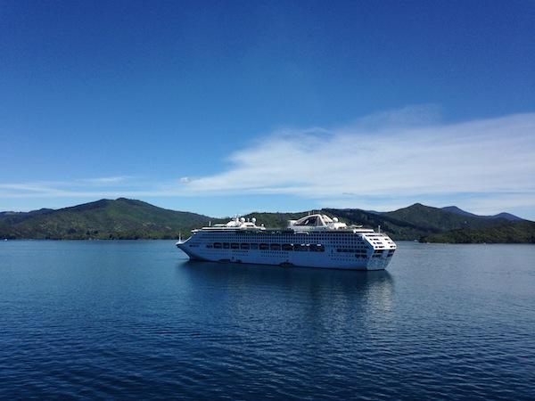 Mit der Interislander-Fähre geht es von der Nord- auf die Südinsel. / Foto: Anna Zell