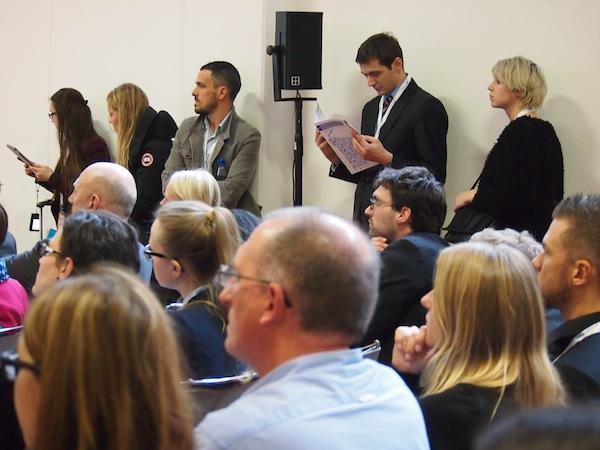 Das Publikum lauscht gespannt: Anja's vollständigen ITB-Bericht & Präsentation könnt Ihr hier ansehen.
