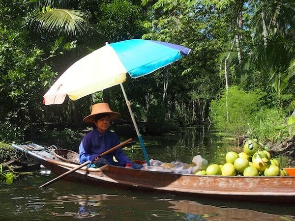 Was wie eine idyllische Aufnahme einer Reise nach Thailand aussieht, ist in Wahrheit Lebensgrundlage für die dortige Bevölkerung. Ein einmaliges Erlebnis, welches ich so noch nie zuvor beobachtet habe!