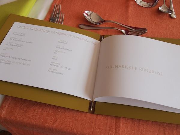 ... mittags schon beginnt die kulinarische Rundreise durch das Vulkanland ...