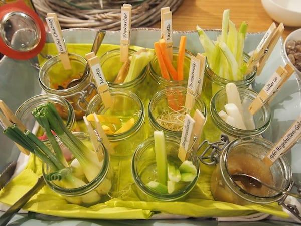 Last but not least hat aber der darauffolgende Morgen diesen gesunden Anblick entgegen zu setzen: Knackfrische Gemüse-Variété beim Frühstück im Stainzerhof.