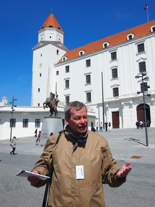 Hauptakteur im Rahmen unserer großartigen Bratislava-Entdecker-Tour: Richard, ein begeisterter Fremdenführer der mit seinen Antworten auf jede Frage die wir ihm stellen in Erinnerung bleibt und der mir gerne und viel über die Geschichte des Landes erzählt.