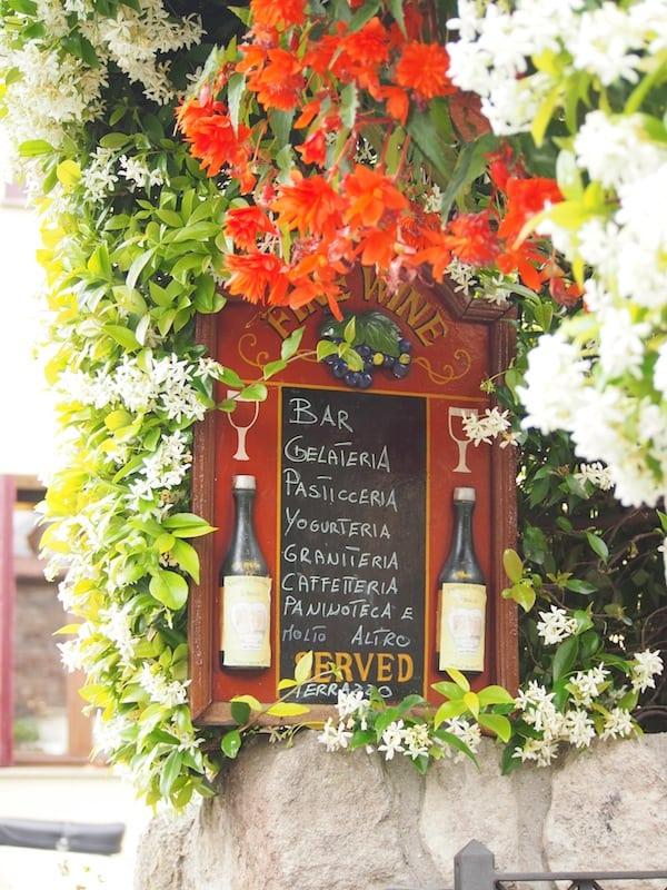 ... gelangen wir entlang der Euganeischen Hügel schließlich bis Arqua Petrarca und dieser romantisch wirkenden Taverne.