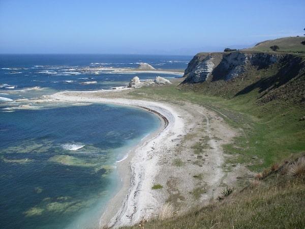 ... kann die magische Küstenlandschaft genießen ...