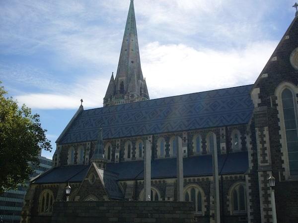Die Kathedrale von Christchurch vor ihrer starken Beschädigung durch das Erdbeben von 2011.