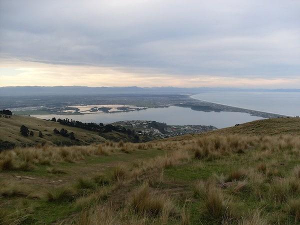 ... und Ausblicke aller Art: Blick auf die Stadt Christchurch und ihre Meeresbucht.