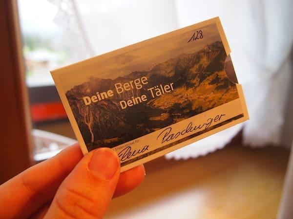 ... bekommen alle Gäste eine Walser Card für den WalserBus sowie sämtliche Bergbahnen des Tals – eine tolle Zusatzleistung wie ich finde.