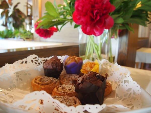 Beim Frühstück im Hotel Gemma startet die Lebensfeuer-Messung: Ich gönne mir herzhafte, frisch gebackene Muffins.
