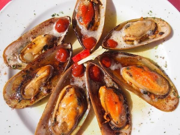 Die Qualität und Präsentation der Speisen (sowie der Weine!) können wir nur empfehlen: Unbedingt herkommen!