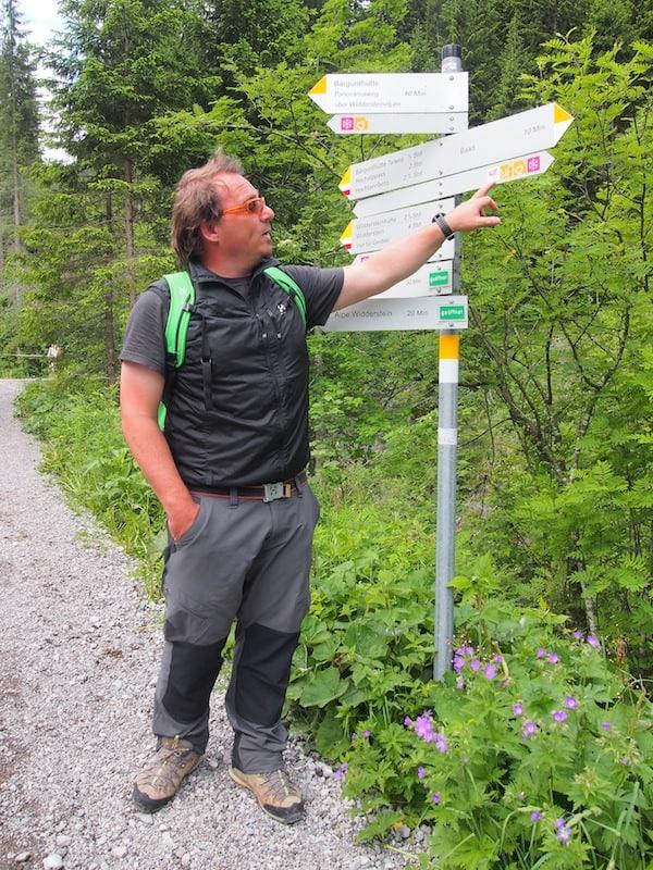 Auf zum letzten Programmpunkt unserer ereignisreichen Tage im Kleinwalsertal: Bergfex & Reiseführer Elmar zeigt uns den Weg in seine Heimat.