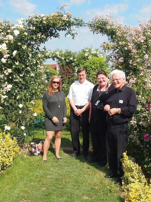 """Hier sind wir anlässlich der Gartentage eingeladen, durch das """"blühende Leben"""" imposanter Gartenanlagen zu streifen ..."""