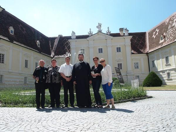 ... genauso wie wir Neuankömmlinge hier aufs Herzlichste begrüßt werden: Vielen Dank Pater Michael & Sabine Laz für den schönen Besuch im Stift Altenburg!