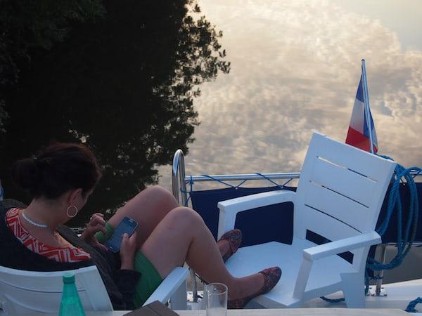 ... bei den genüsslichen Momenten der Ruhe, des Lesens oder Reflektierens ...
