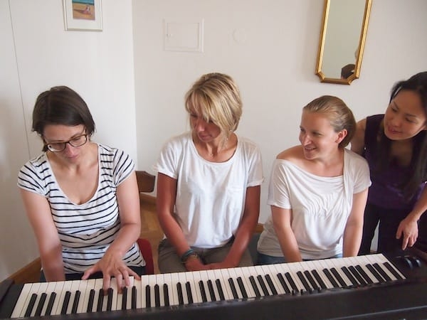 Klavier-Improvisations-Workshop im Hotel Erzherzog Johann: Was für ein Fest der Begegnungen (toller Klänge und Hände am Klavier!).